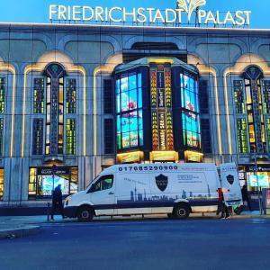 Transportdienstleistungen für Unternehmen, hier für den Friedrichstadtpalast in Berlin
