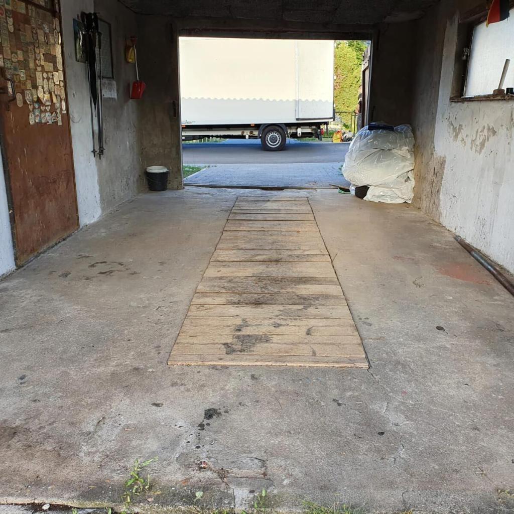 Aufgeräumte Garage nach einer Garagenentrümpelung in Berlin-Brandenburg
